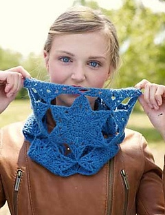 Vega Cowl, a crochet pattern from Banana Moon Studio for Interweave Crochet