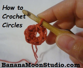 How to crochet a circle, a tutorial by April Garwood of Banana Moon Studio