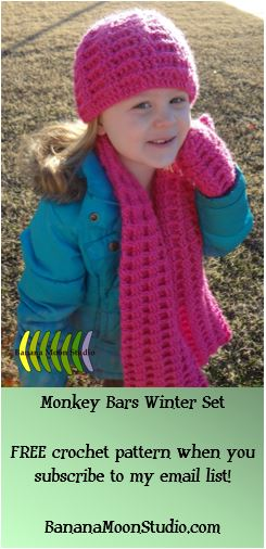 Crochet pattern for a girls winter accessories set, FREE when you subscribe, from Banana Moon Studio