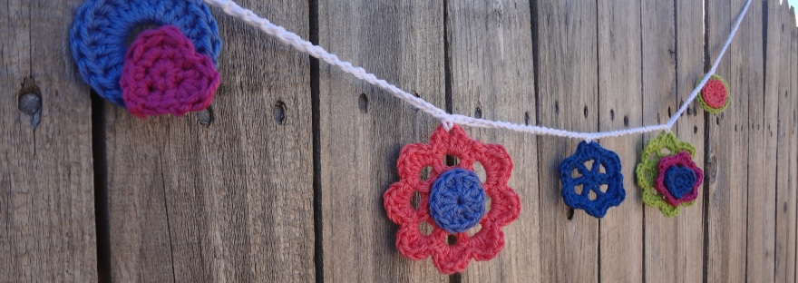 Gardens Galore Garland, free crochet pattern for a floral spring garland, from Banana Moon Studio