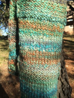 Free Knitting Pattern, Easy Knit Scarf Pattern, by April Garwood of Banana Moon Studio