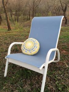 Crochet throw pillow free crochet pattern by April Garwood of Banana Moon Studio