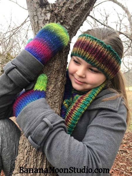 How to Knit Ribbing in the Round, How to Knit Mittens. A video tutorial by April Garwood of Banana Moon Studio