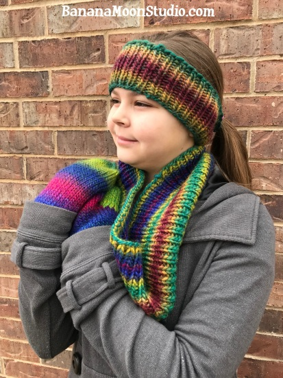 Easy Knit Winter Accessories, Free patterns! Headband, Mittens, and Cowl by April Garwood of Banana Moon Studio