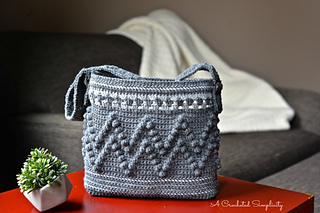 Chevron_Bobble_Tote_1_Rav_small2