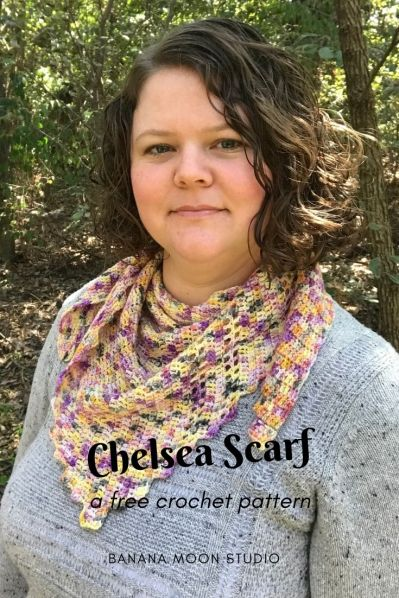 Free easy crochet pattern for a triangular scarf, from Banana Moon Studio