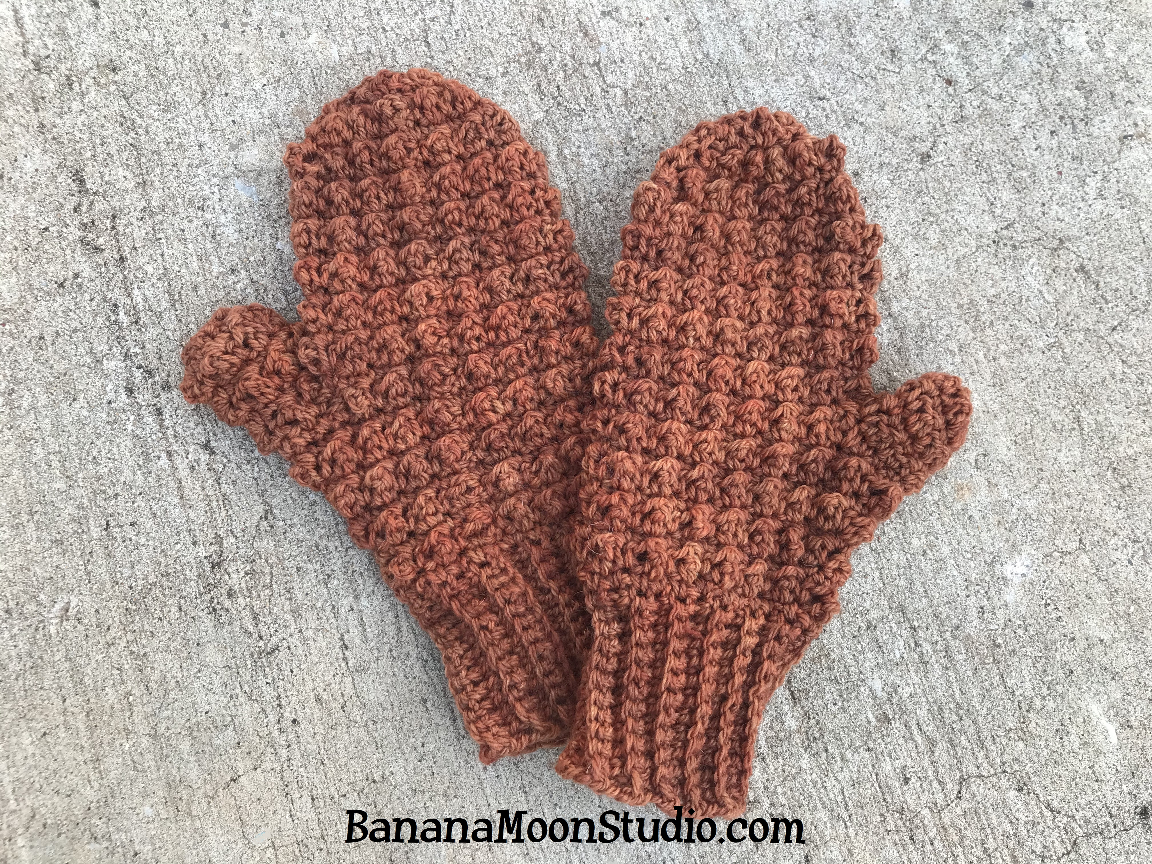 Free Crochet Mitten Pattern from Banana Moon Studio