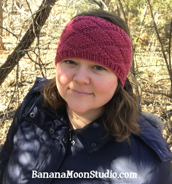 Free knitting pattern for an earwarmer headband from Banana Moon Studio 1