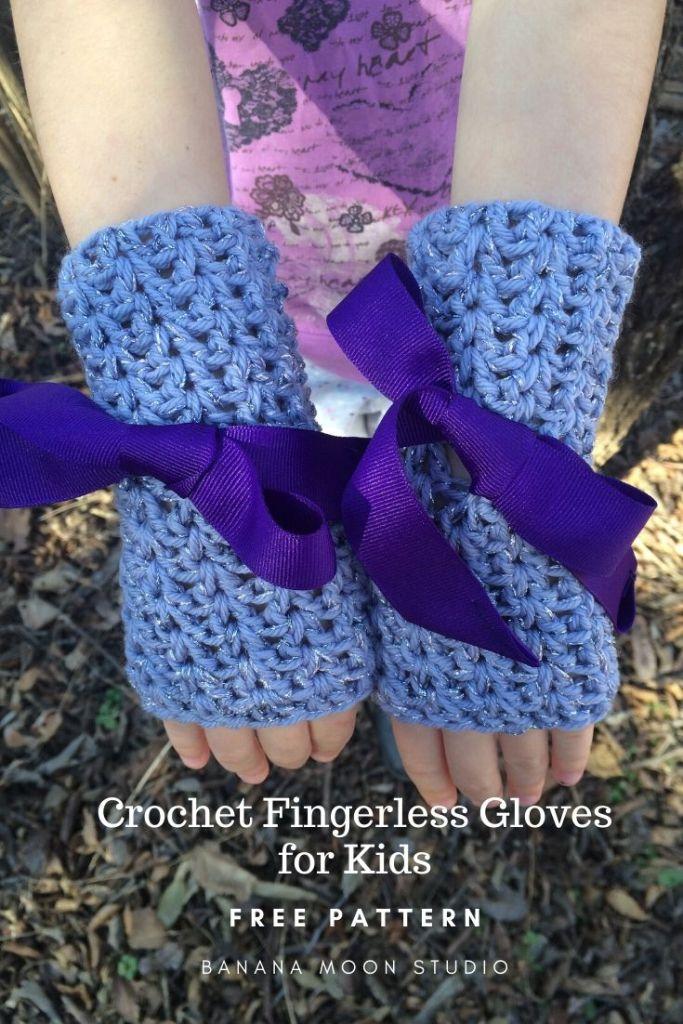 Crochet fingerless gloves for kids, free pattern from Banana Moon Studio.